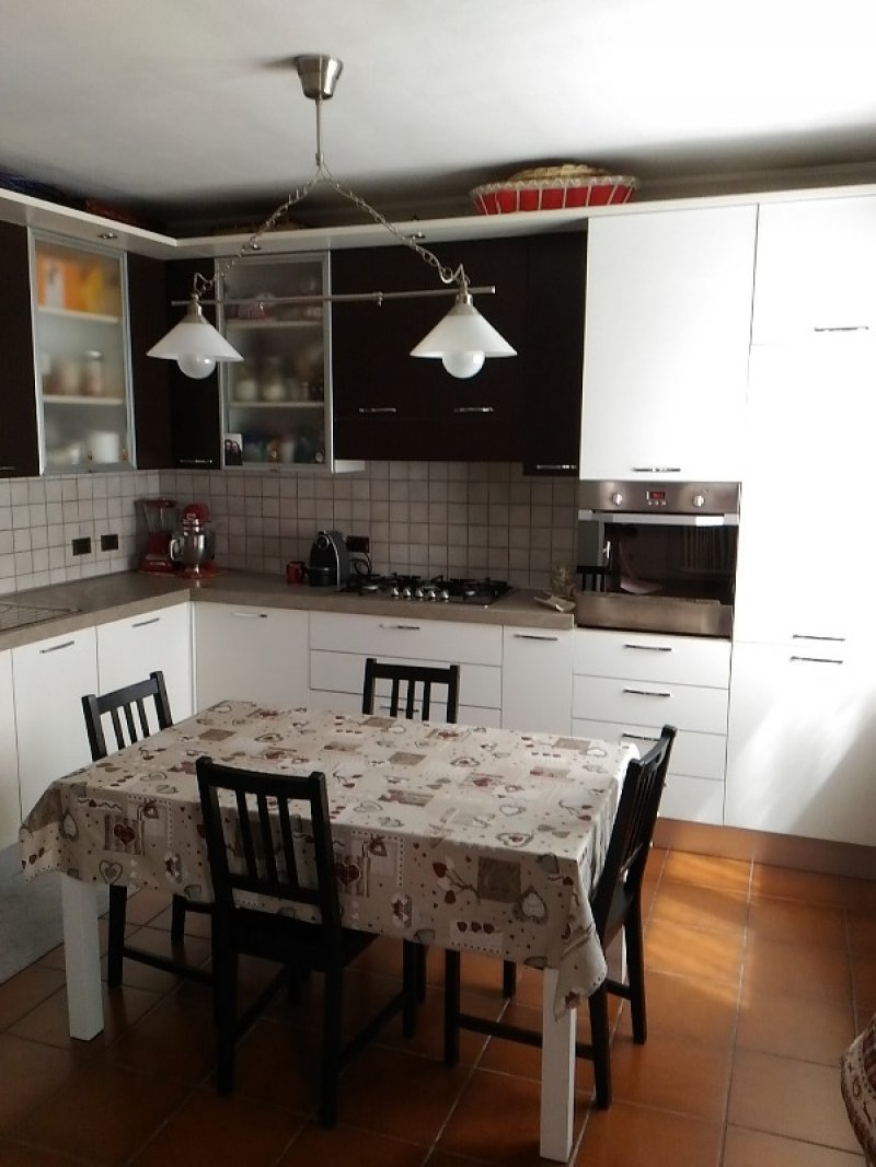 Monvalle casa ristrutturata a Varese in Vendita