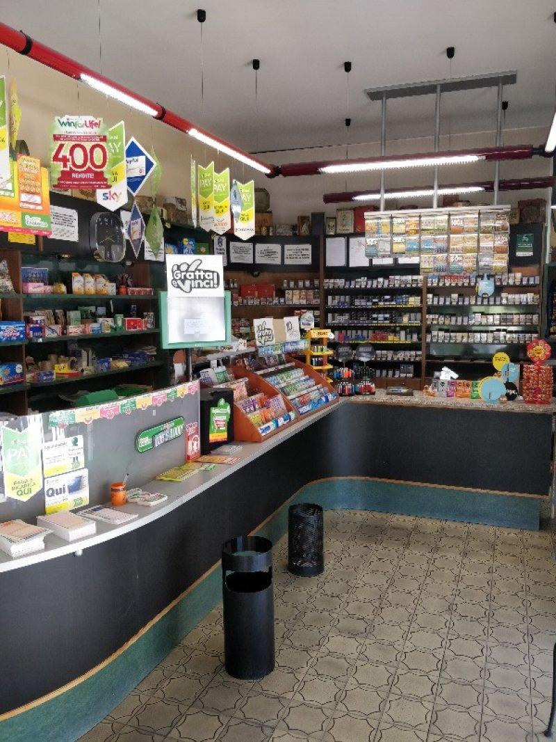 Reggio Emilia attività commerciale tabaccheria a Reggio nell'Emilia in Vendita