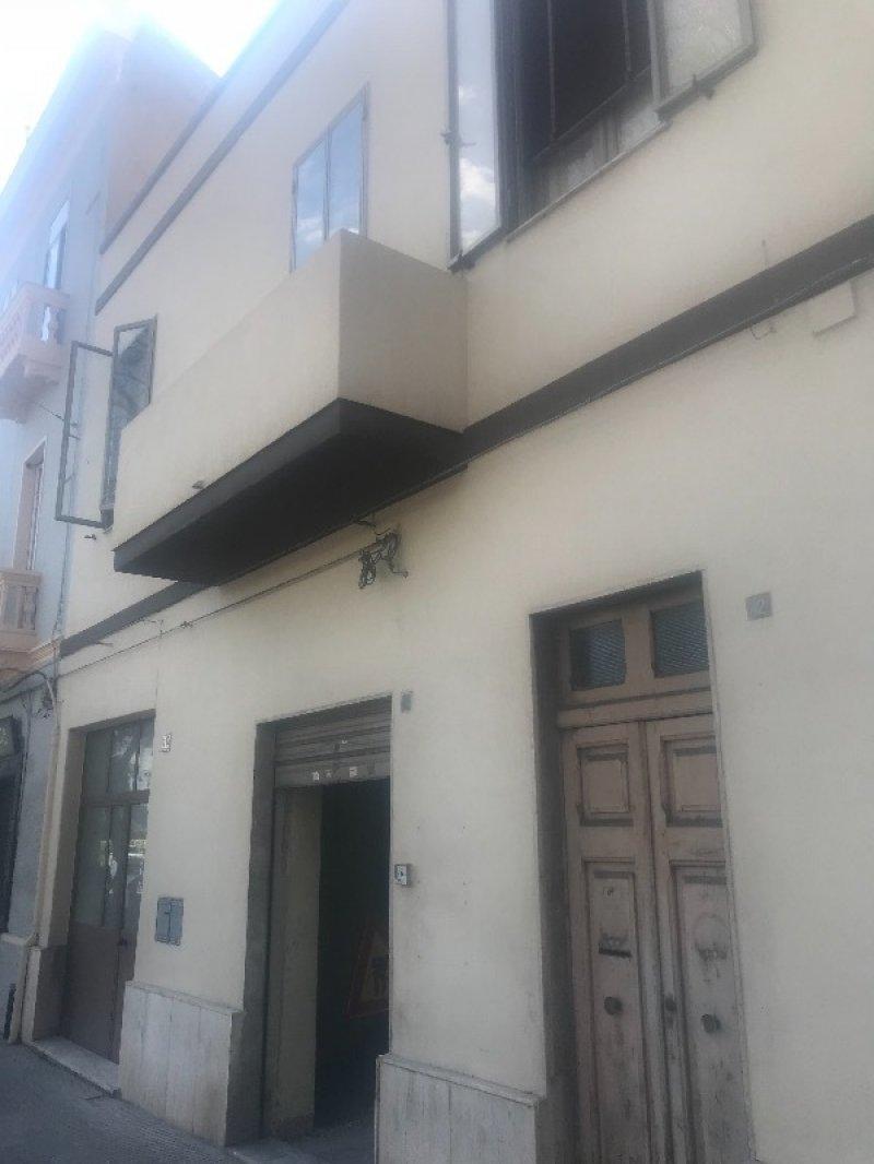 San Benedetto Cagliari locale commerciale a Cagliari in Affitto