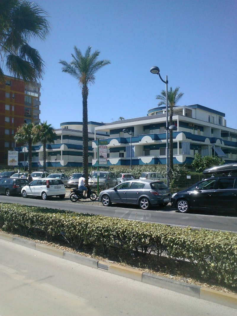Montesilvano monolocale in complesso fronte mare a Pescara in Affitto