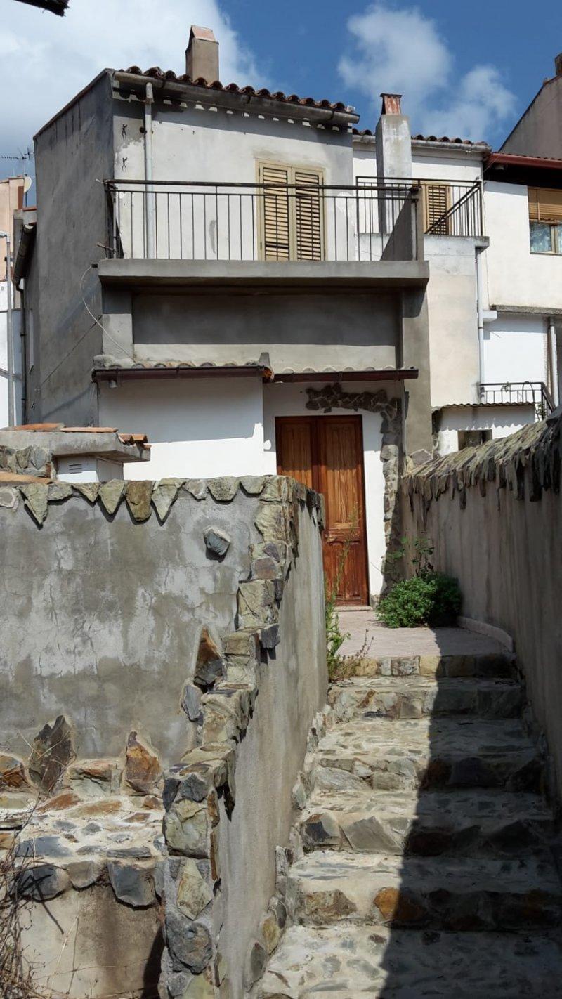 Fluminimaggiore casa indipendente centro storico a Carbonia-Iglesias in Vendita