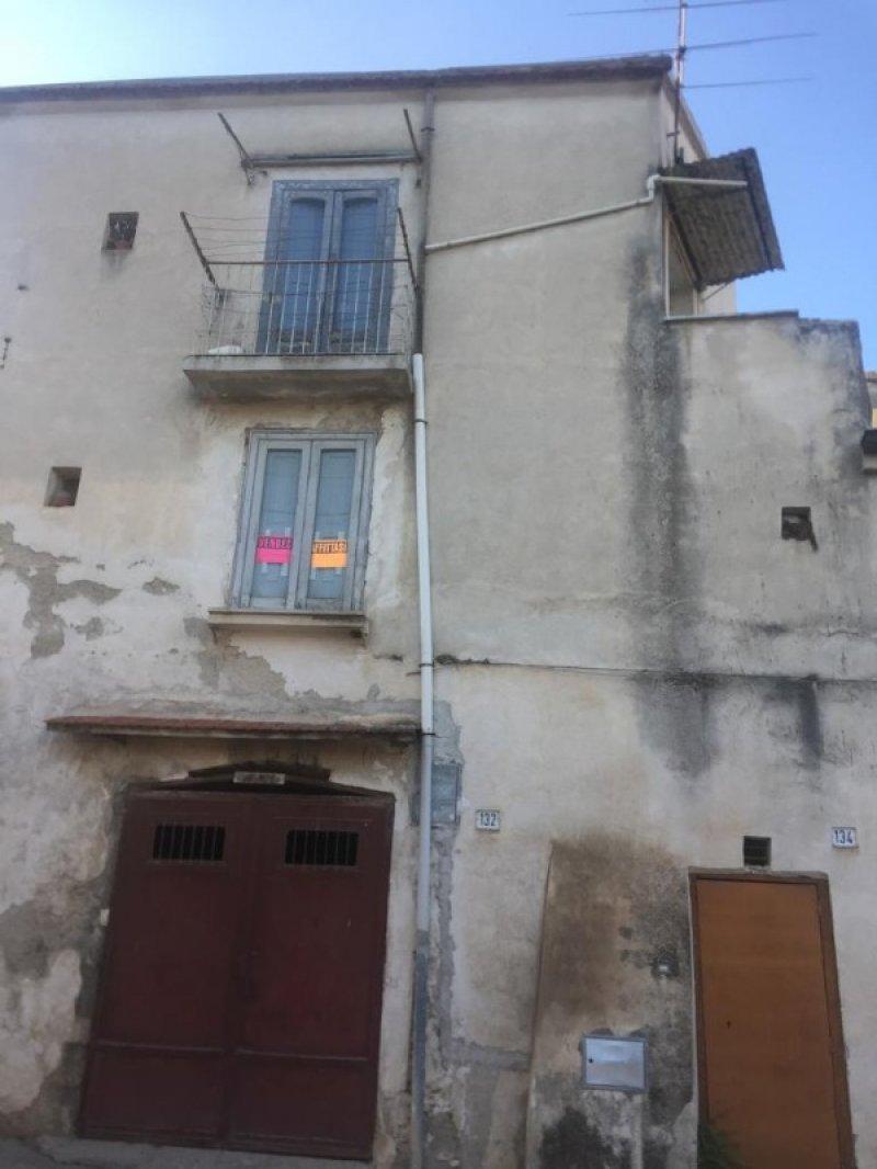 Teano in località Versano casa a Caserta in Vendita