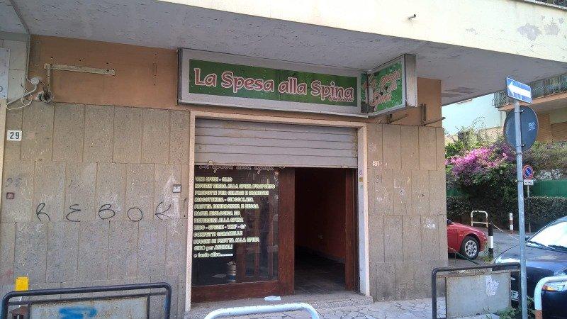 Ladispoli locale a Roma in Vendita
