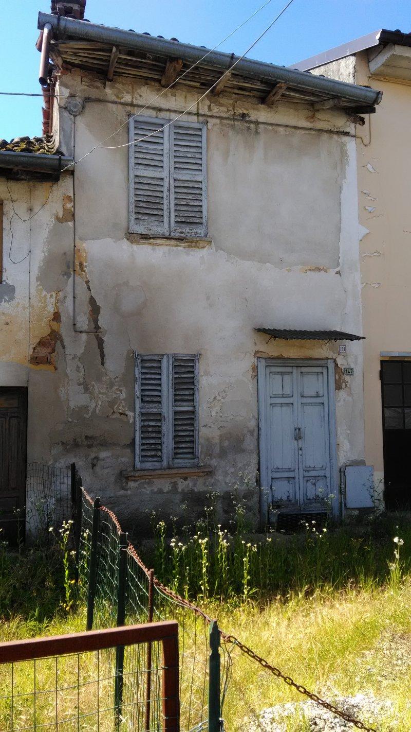 Case A Due Piani foto 0 - magherno casa su due piani da ristrutturare a pavia