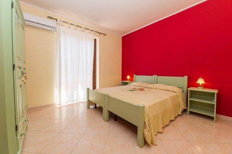 Acireale appartamento arredato mansardato a Catania in Affitto