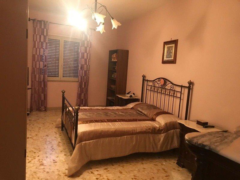 Napoli appartamento unicamente a studentesse a Napoli in Affitto