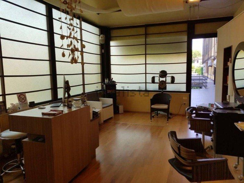 Sirmione da privato locale commerciale a Brescia in Vendita