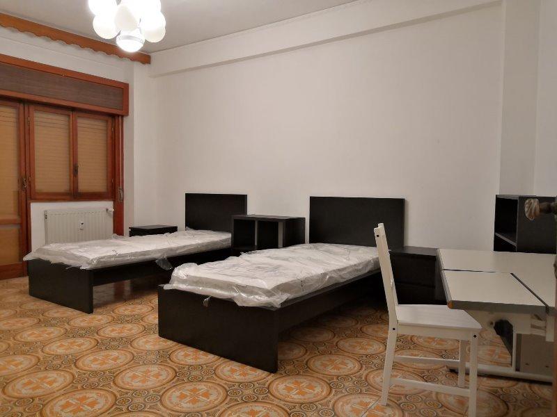 A Roma posti letto in ampia camera doppia a Roma in Affitto