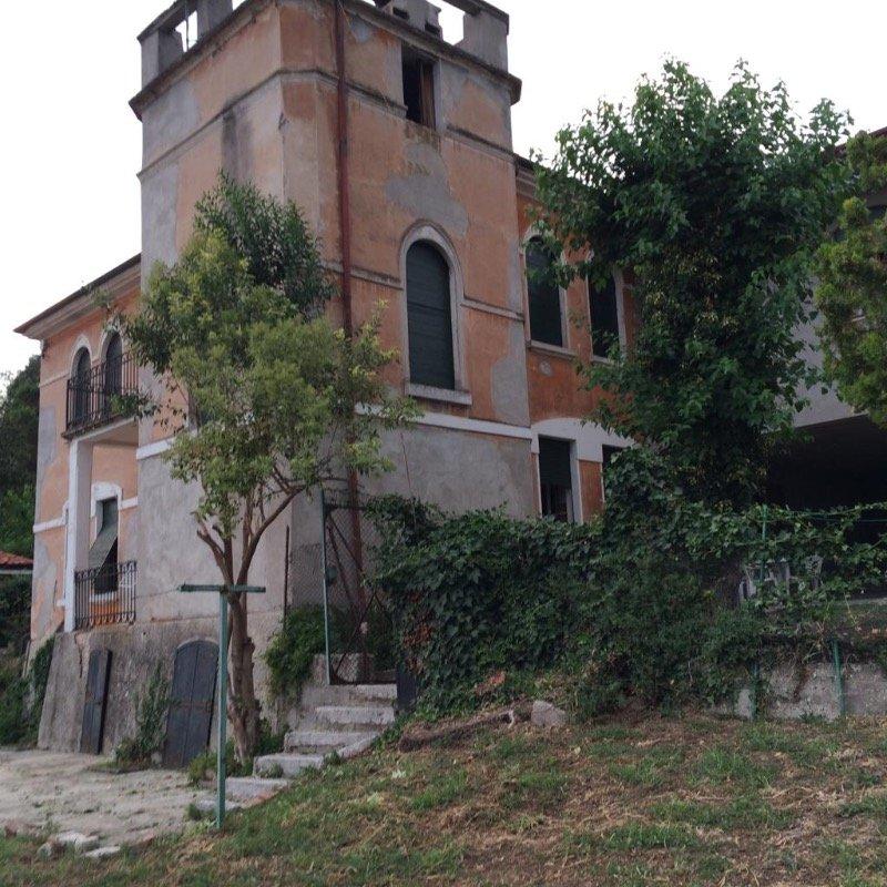 Arzignano rustico zona residenziale a Vicenza in Vendita