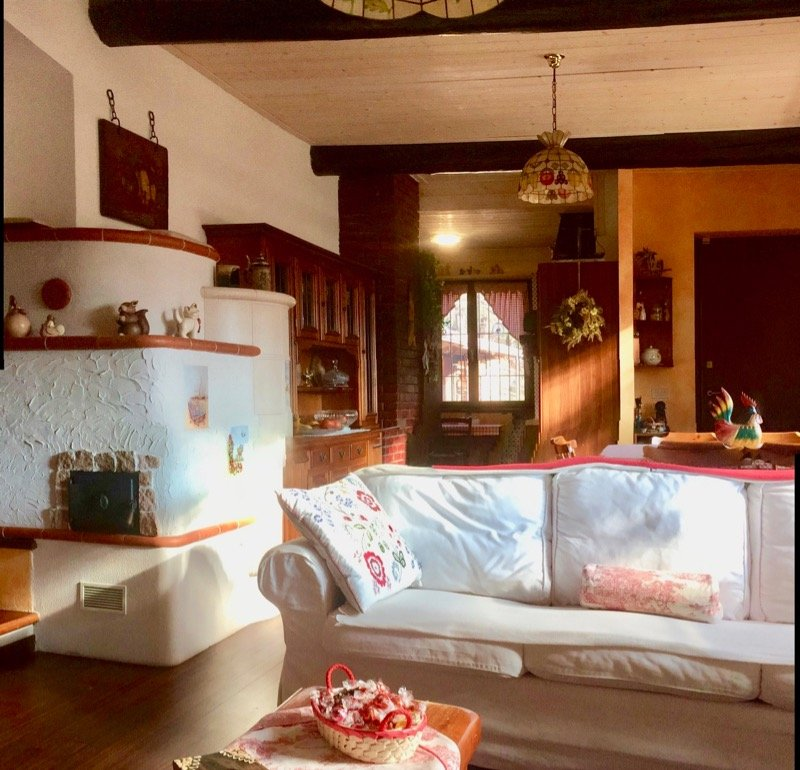 Cuasso al Monte villa in stile rustico a Varese in Vendita
