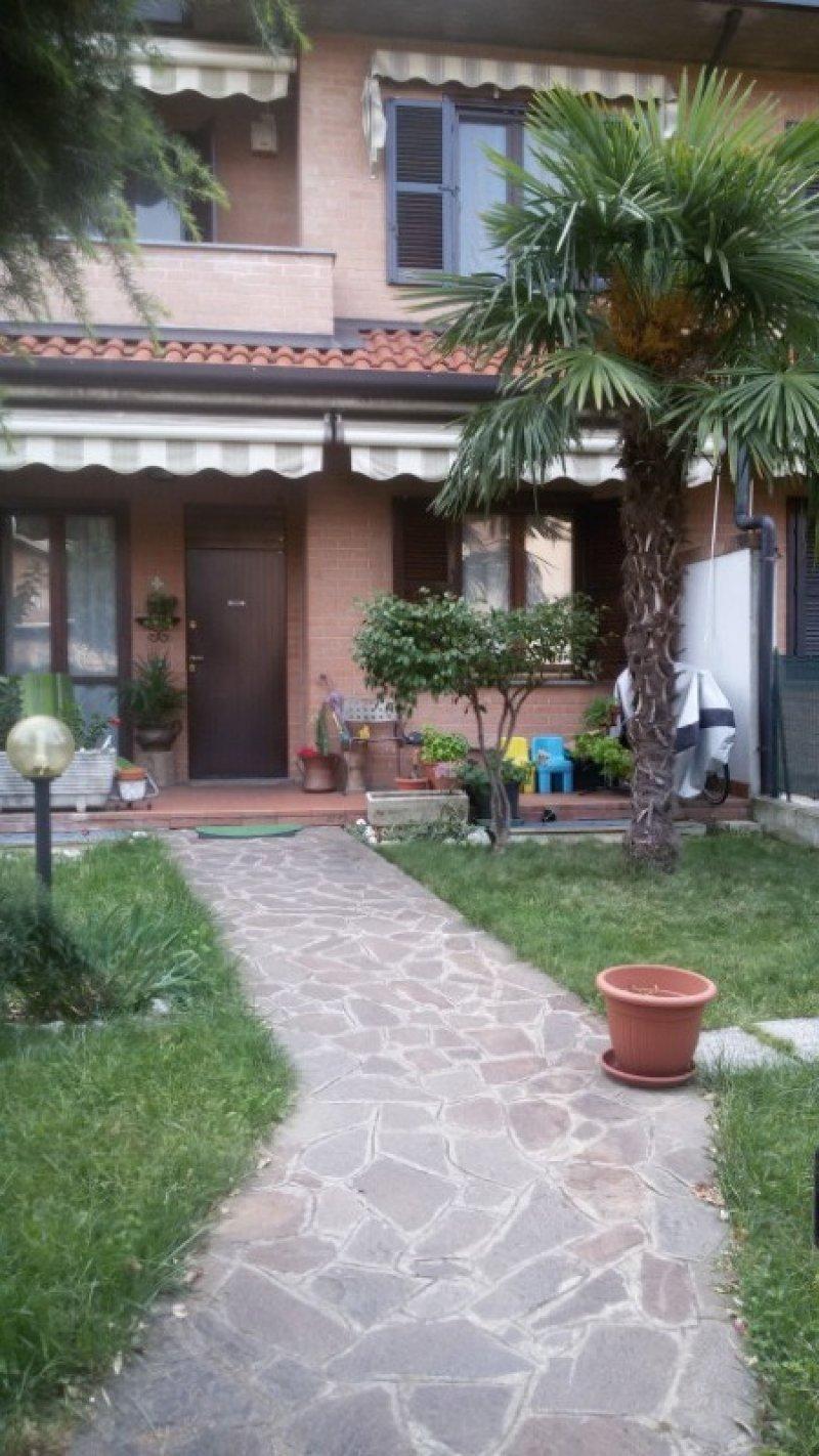 Limbiate villa a schiera a Monza e della Brianza in Vendita