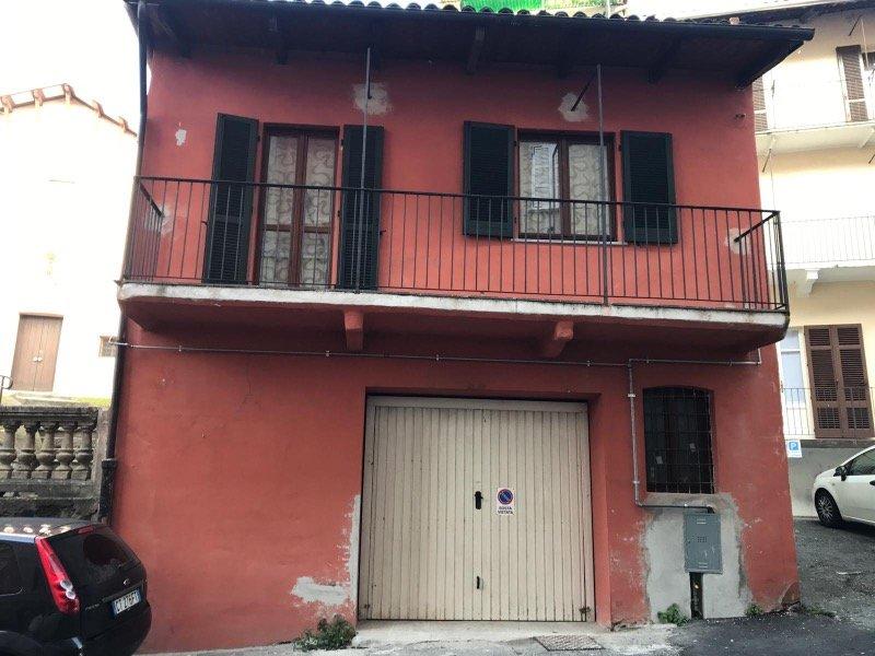 Cossato casa su due livelli a Biella in Vendita
