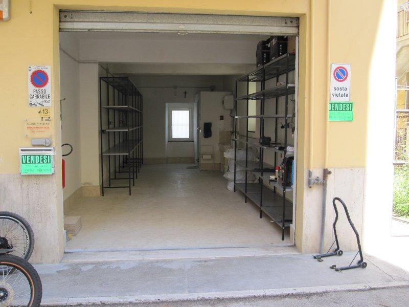 Ascoli Piceno locale uso box garage a Ascoli Piceno in Vendita