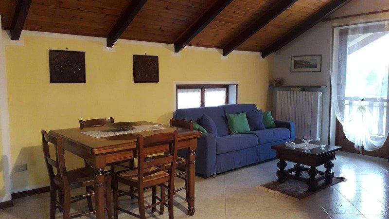 Varallo trilocale appartamento mansardato a Vercelli in Affitto