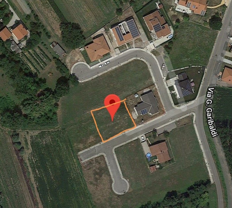 Porpetto in zona urbanizzata terreno edificabile a Udine in Vendita