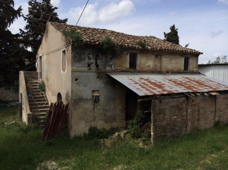 Cupra Marittima casale colonico da ricostruire a Ascoli Piceno in Vendita