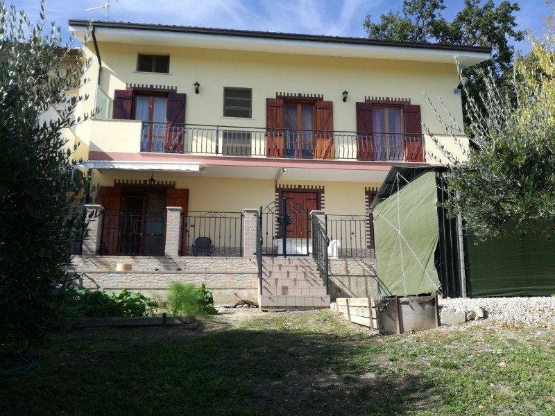Ortona ampia villa singola a Chieti in Vendita