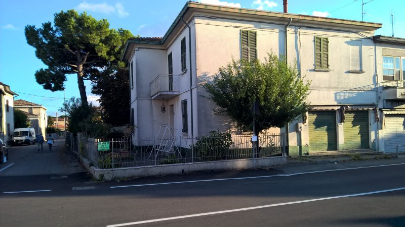 Ravenna casa con giardino a Ravenna in Vendita