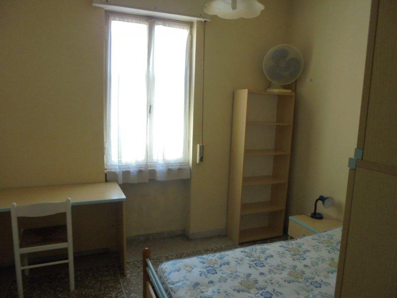 Pisa stanza singola per studente universitario a Pisa in Affitto