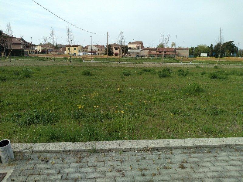 Da privato a Ferrara città lotto edificabile a Ferrara in Vendita