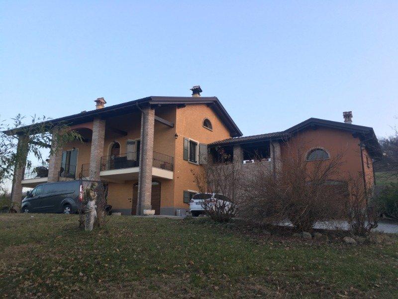 Scandiano villa con parco a Reggio nell'Emilia in Vendita