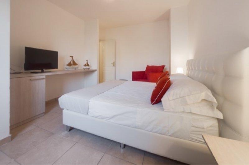 Otranto da privato bilocali e camere con giardino a Lecce in Affitto