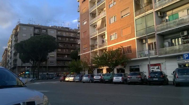 Negozio Roma Prenestina largo Telese a Roma in Affitto