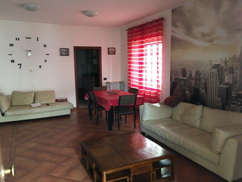 Roma appartamento in villa con giardino a Roma in Affitto