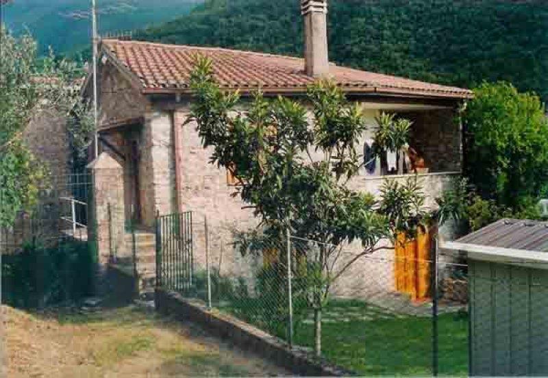 Arrone casa situata a Rosciano a Terni in Vendita