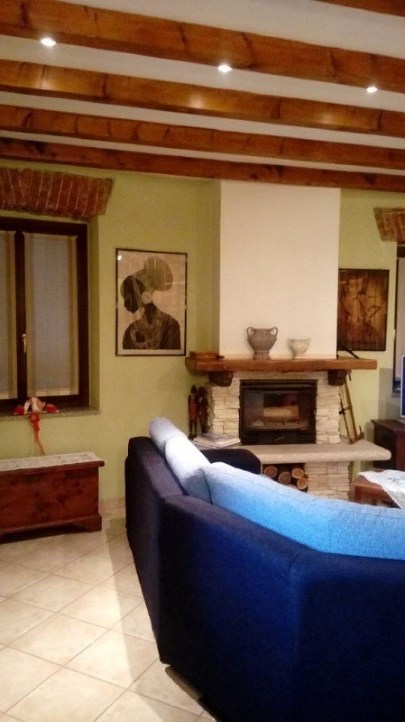 Cavaglio d'Agogna casa a Novara in Vendita