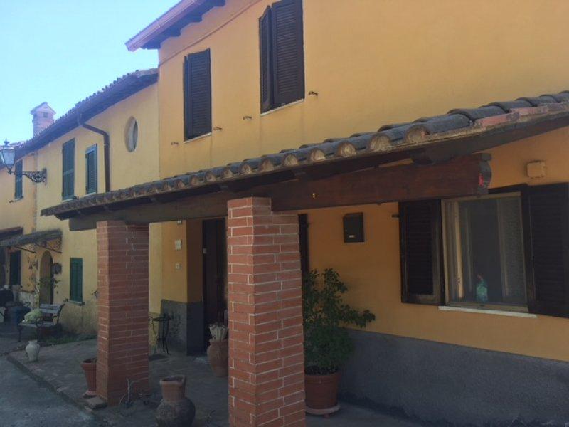 Porzione di casale a Canale Monterano a Roma in Vendita