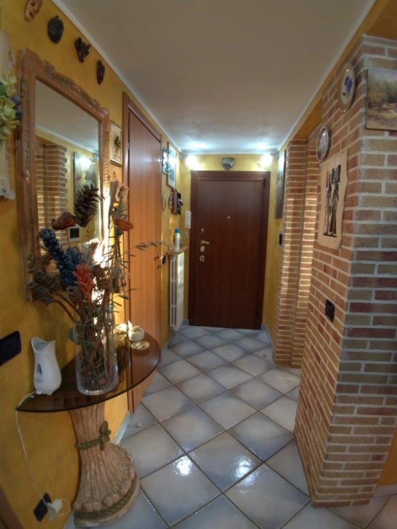 Saronno appartamento completamente ristrutturato a Varese in Vendita
