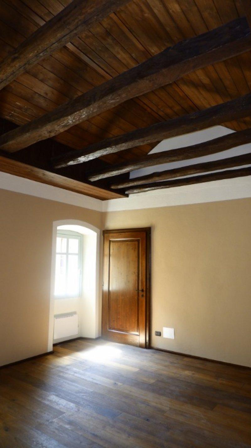 Ghiffa casale nel nucleo storico di Ceredo a Verbano-Cusio-Ossola in Vendita