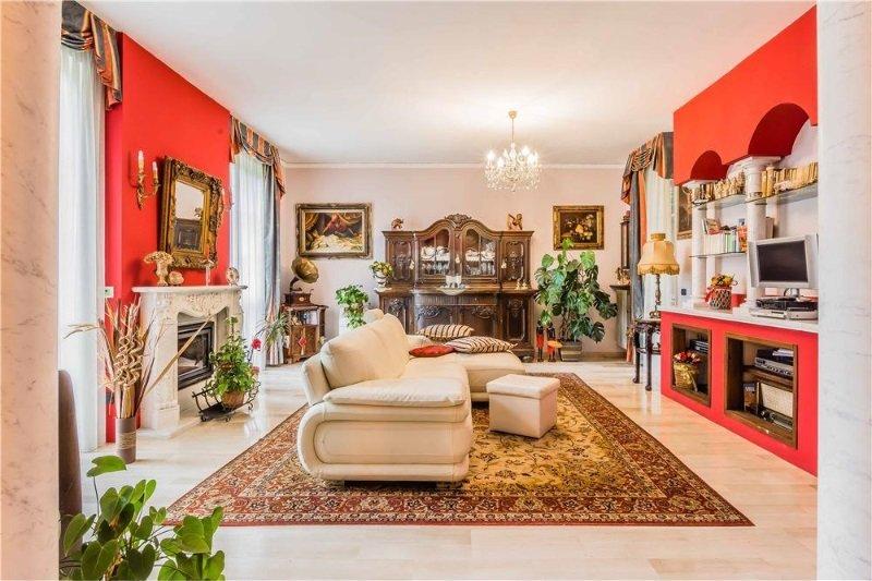 Olgiate Olona villa singola in zona residenziale a Varese in Vendita