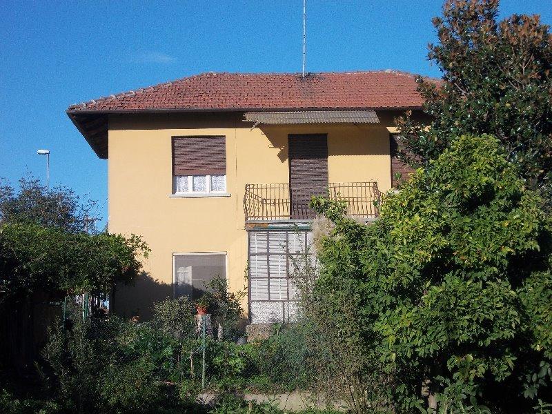 Ceretto di Carignano casa a Torino in Vendita