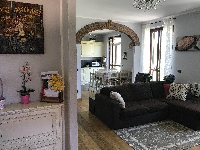 Mortara città appartamento in villa a Pavia in Vendita