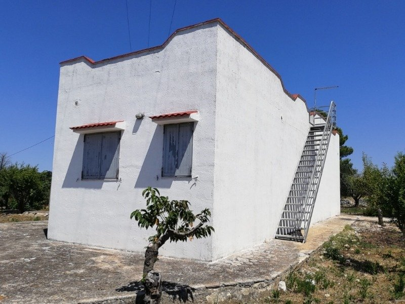 Ceglie Messapica terreno con rustico a Brindisi in Vendita