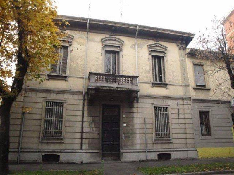 Busto Arsizio palazzina indipendente a Varese in Vendita