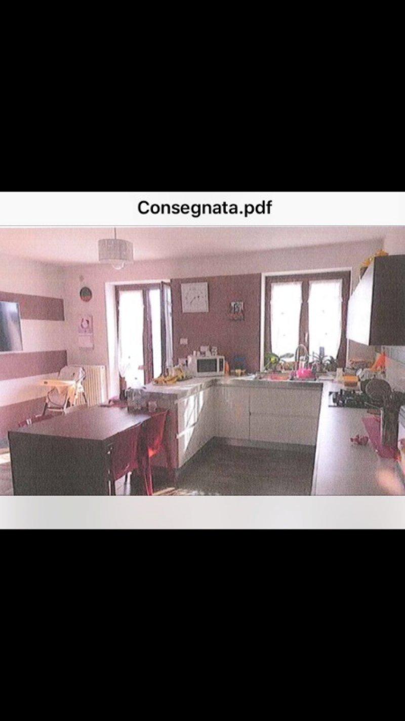 Villanova d'Asti casale a Asti in Vendita