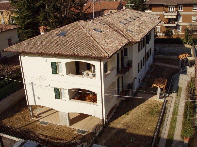 Brescia a studentesse femmine posto letto a Brescia in Affitto