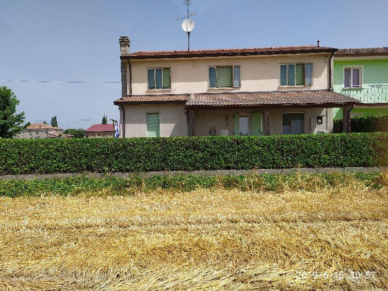 Berra casa a schiera a Ferrara in Vendita