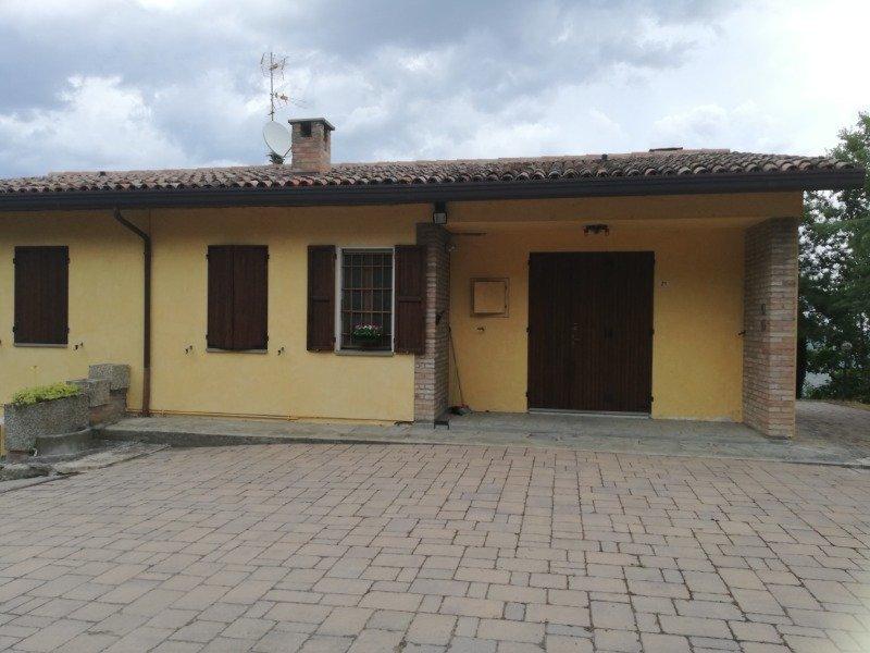 Appartamento in località collinare sopra Predappio a Forli-Cesena in Affitto