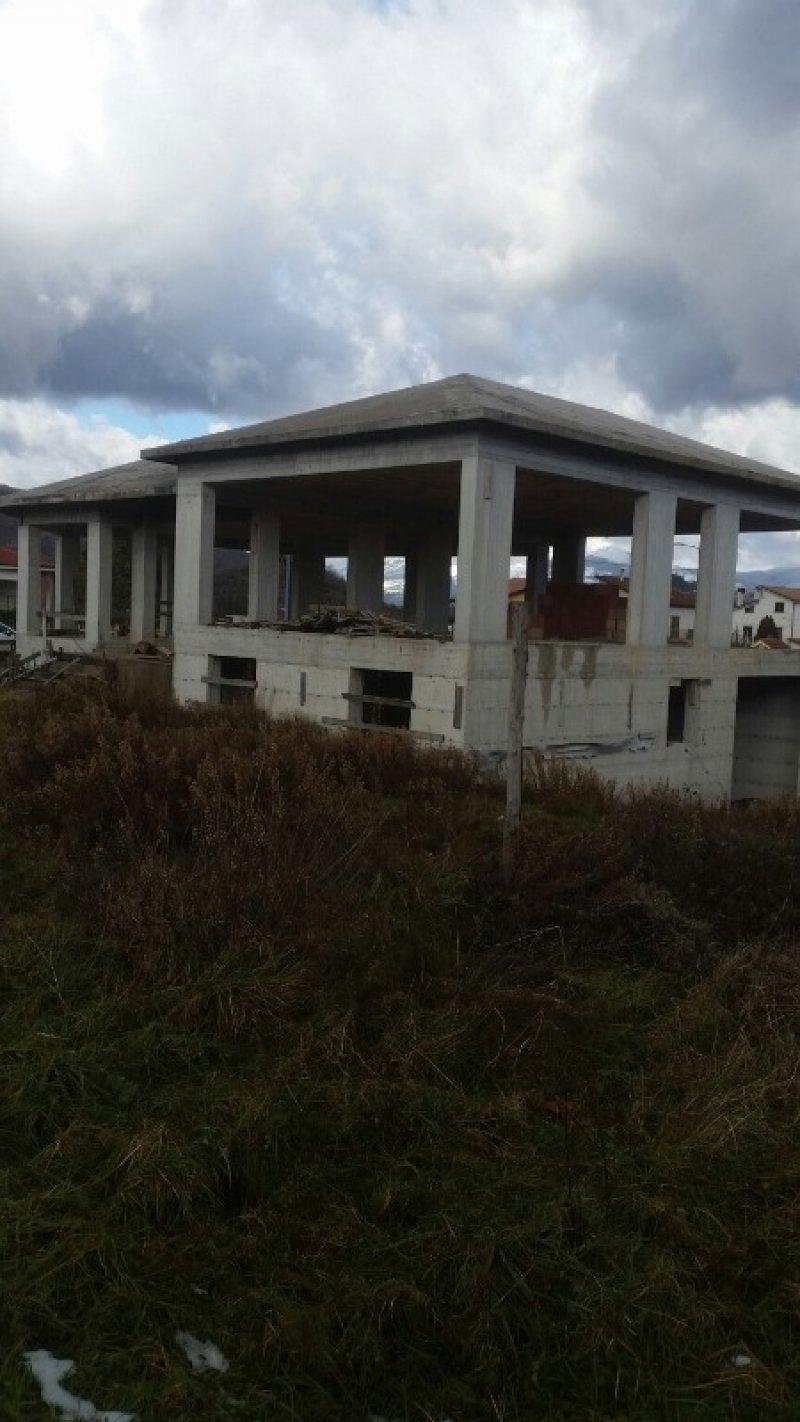 Sarconi Potenza struttura di villa a Potenza in Vendita