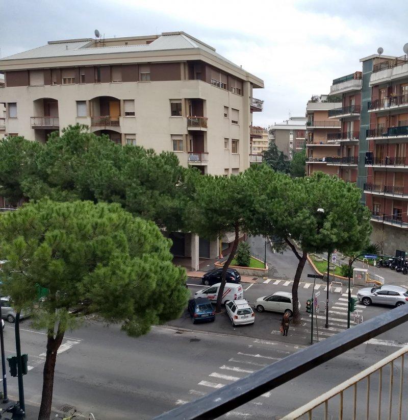 Savona appartamento vicino stazione ferroviaria a Savona in Vendita