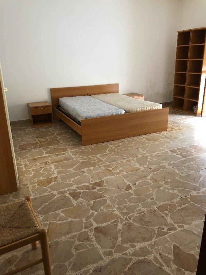 Sassari ampia camera singola a Sassari in Affitto