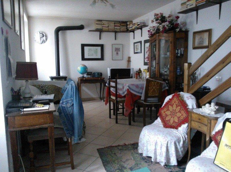 Reggio Emilia in zona Villa Minozzo casa a Reggio nell'Emilia in Vendita