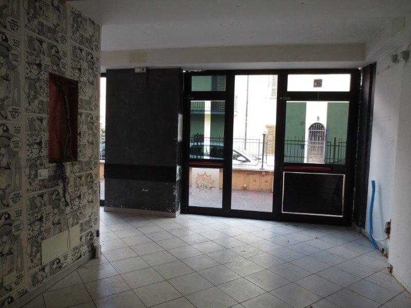 Tivoli Villa Adriana locale commerciale a Roma in Affitto