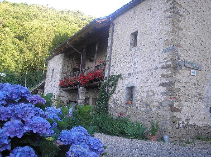 Sordevolo antica costruzione rurale in pietra a Biella in Vendita