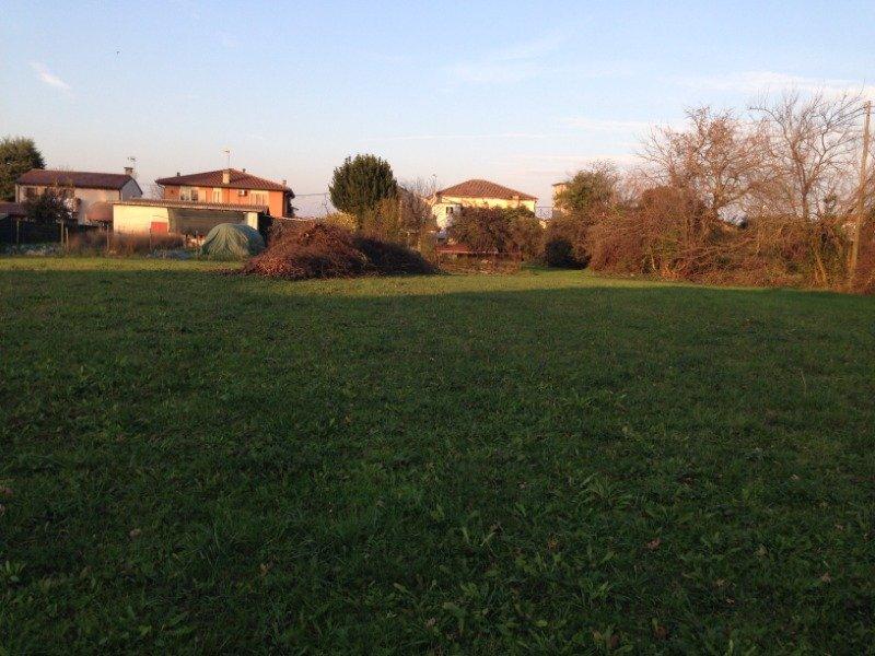 Borgoricco rustico con annesso terreno edificabile a Padova in Vendita