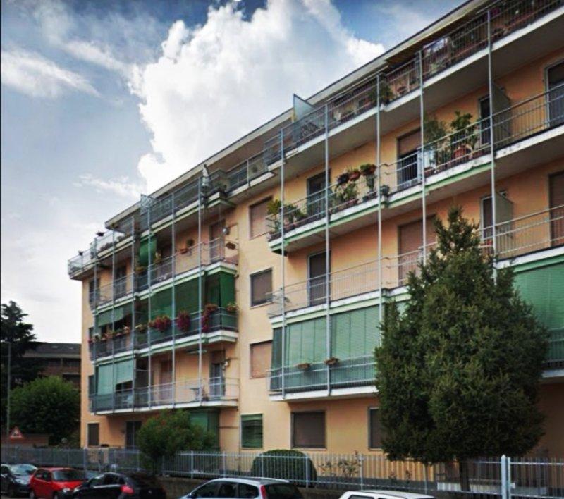 Novara piano attico con terrazzo a Novara in Affitto